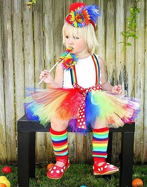 Ребёнок в костюме