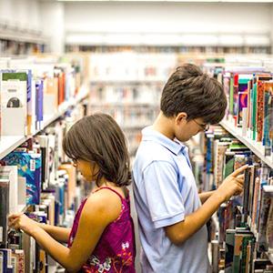Дети выбирают книги