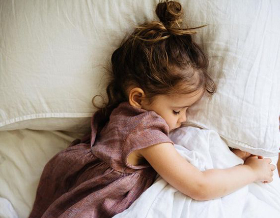 Ребёнок спит