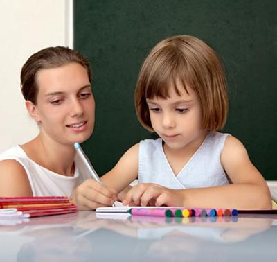 Девочка и учительница