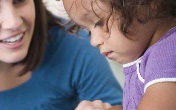 Аутизм у детей: первые признаки, симптомы, причины и лечение