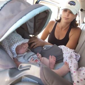 Ребёнок с мамой