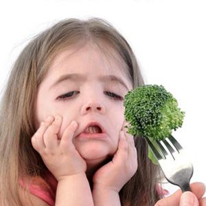 Ребёнок и брокколи