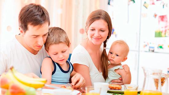 Завтракаем всей семьей