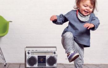 Как научить танцевать ребёнка не выходя из дома