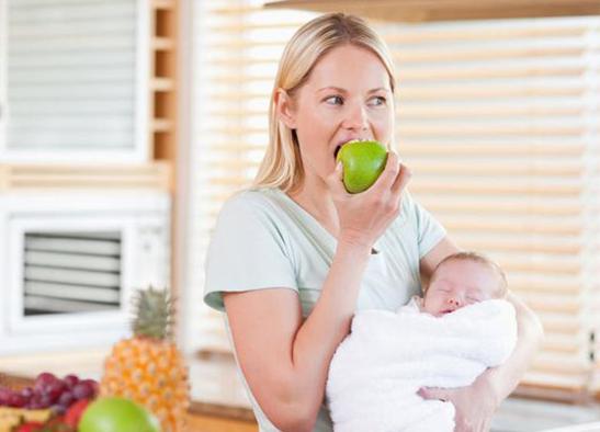 Можно ли кормящей маме кушать