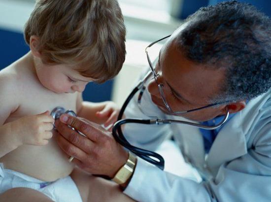 Лечим насморк у ребенка вместе с врачем