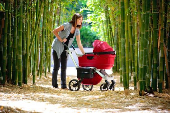 Как правильно гулять с новорождённым