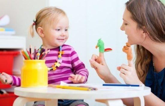 Развитие ребенка в 1 год: что должен уметь, как развивать