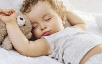 Как уложить ребёнка спать днём быстро и без стрессов